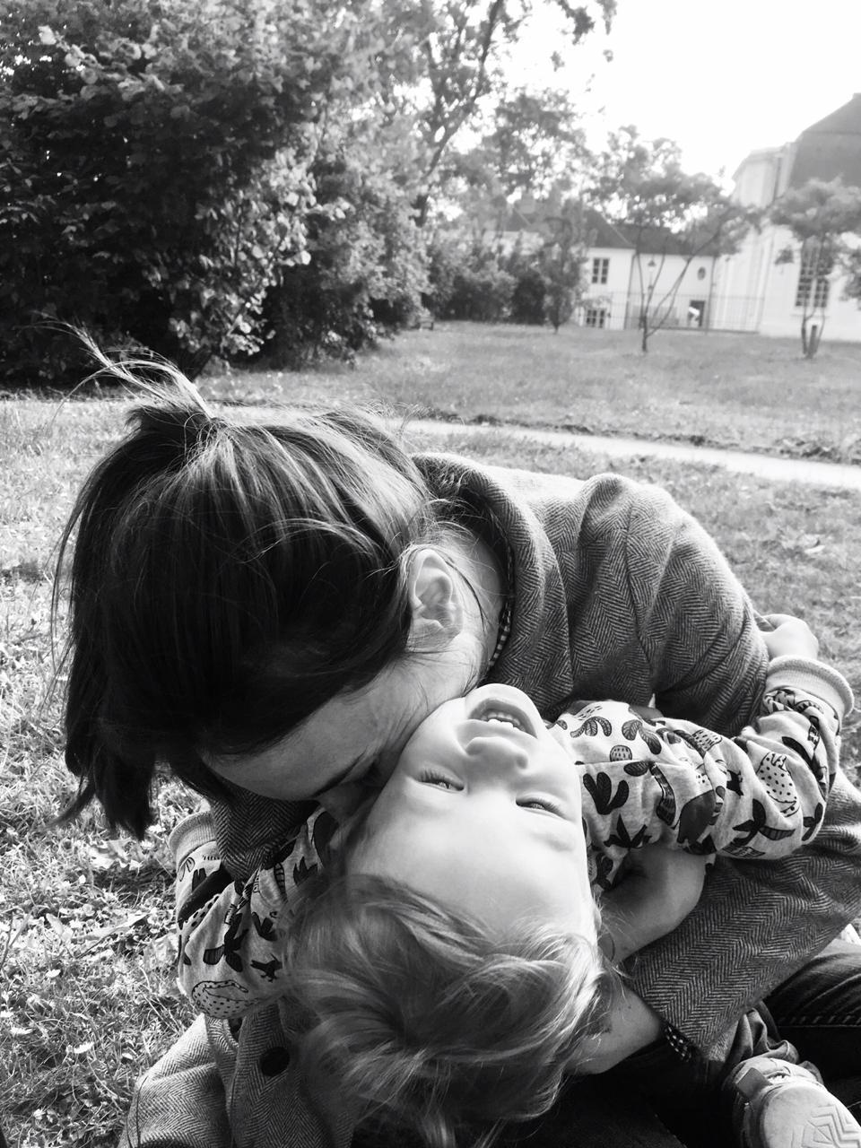 Mathilde, maman de Gaspard, 3 ans & enceinte d'une Baby Girl – Co-fondatrice de Maison Petit-Point